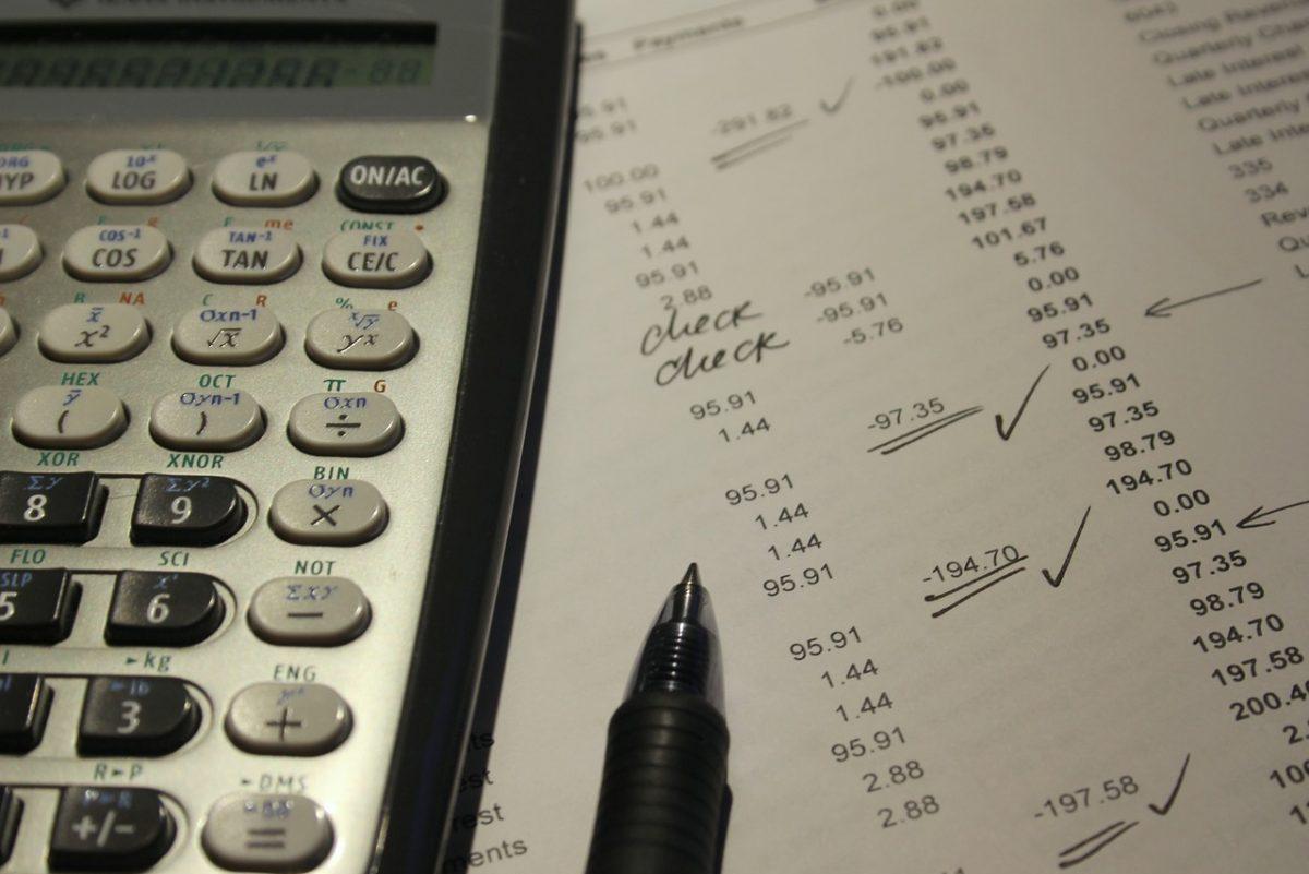 Izer Norbert: Mostantól online minden vállalkozás számlájára rálát az adóhivatal