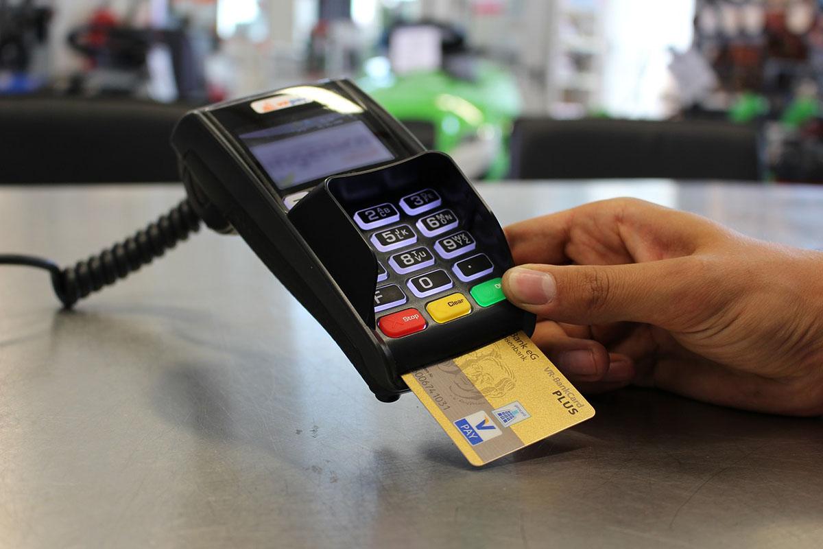 Kártyás fizetések: maradhat a 15 ezer forintos értékhatár