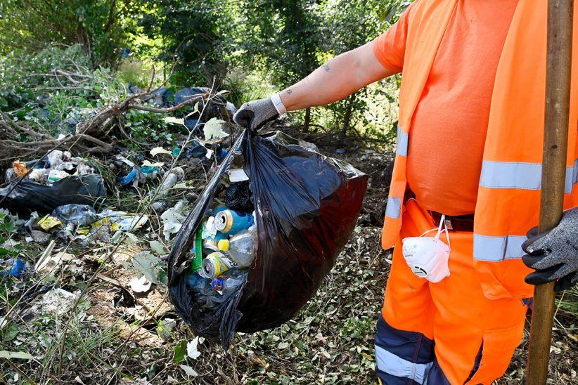 magyar közút, bejelentés, illegális hulladéklerakó, szemét