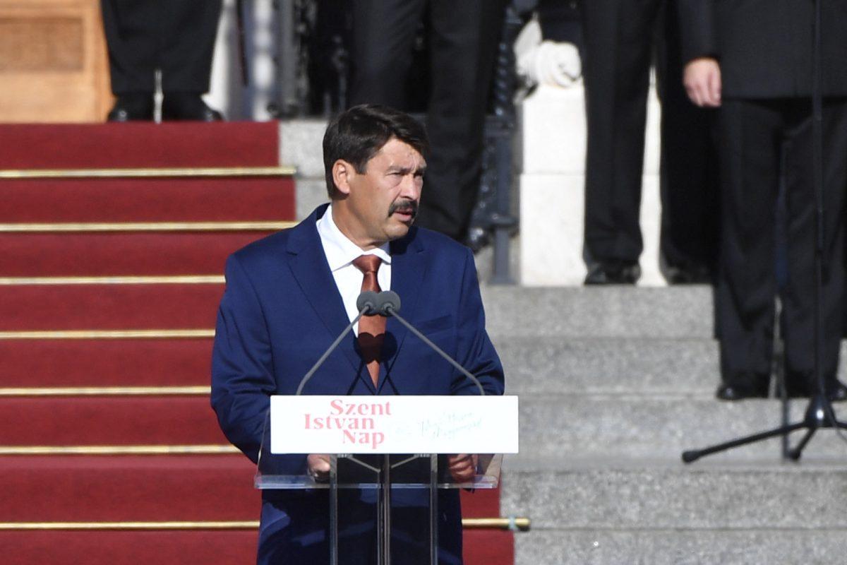 """Áder János: megpróbáltatások idején is gyarapítani kell az """"örök Magyarországot"""""""