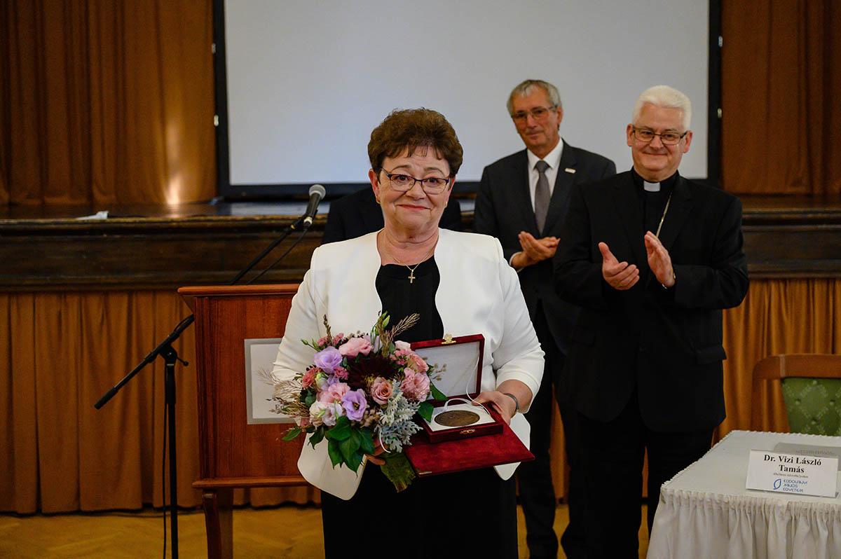 Államalapító Szent István-emlékérmet kapott Müller Cecília