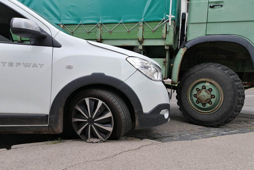 baleset Békéscsaba, teherautó