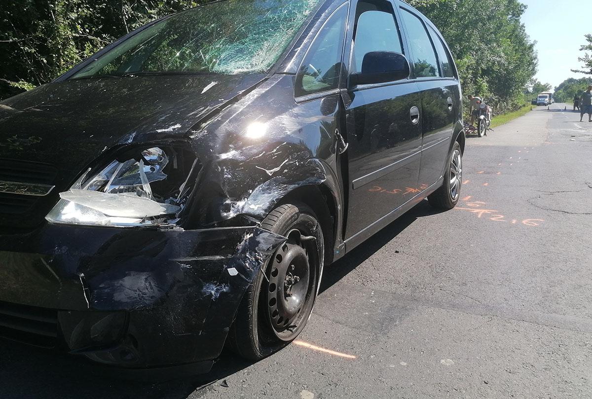 Motorossal ütközött össze egy autó Szeghalom és Vésztő között