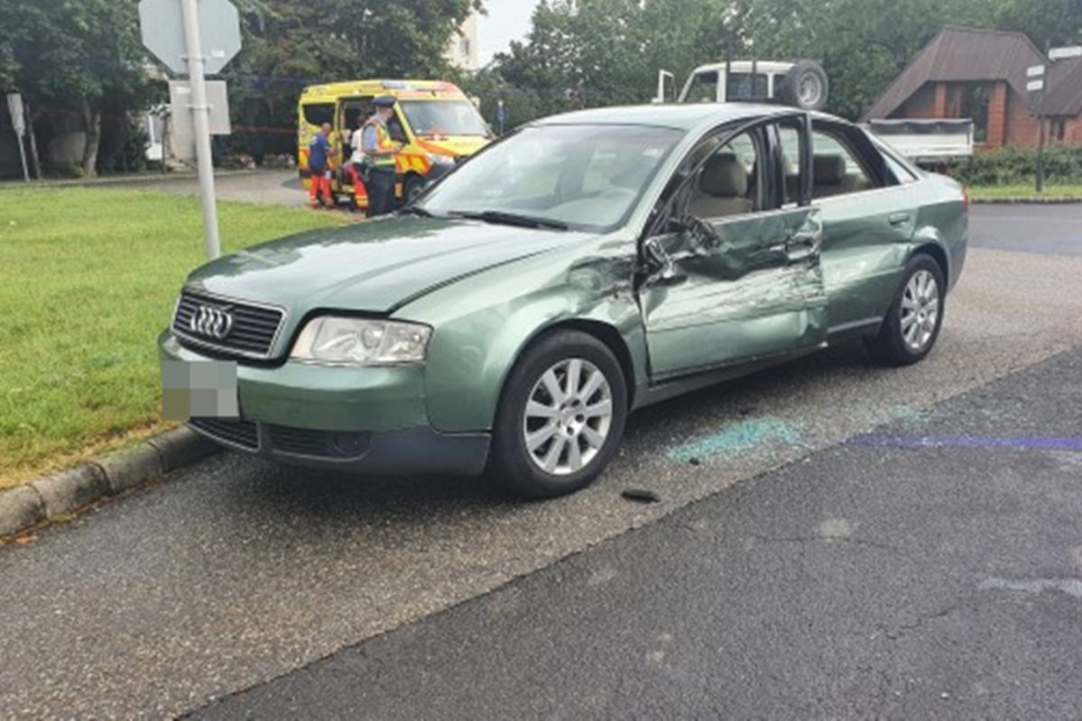 Közlekedési balesetek és ittas vezetés miatt intézkedtek a rendőrök