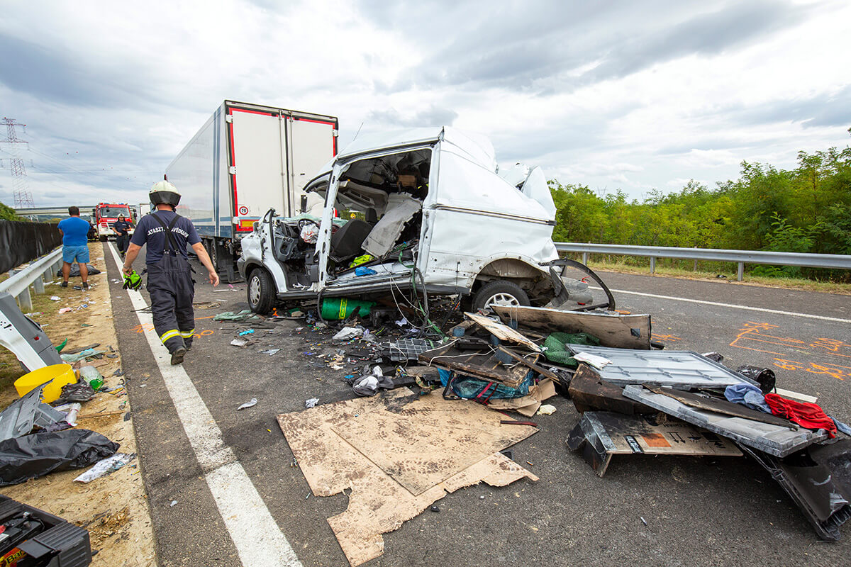 Két súlyos sérült az M70-esen történt kamionbalesetben