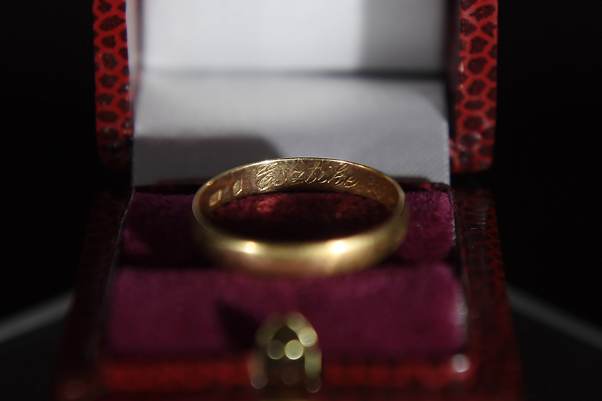 gyűrű, belföld, háború