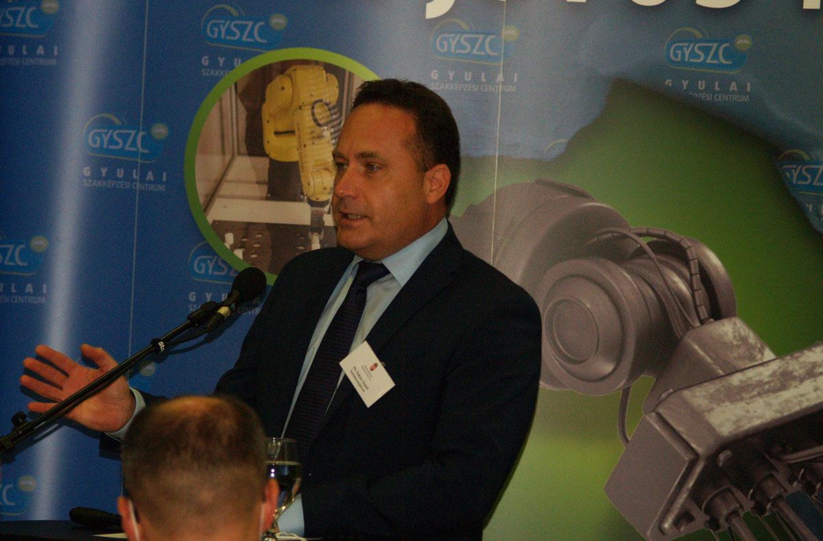 Dr. Takács Árpád