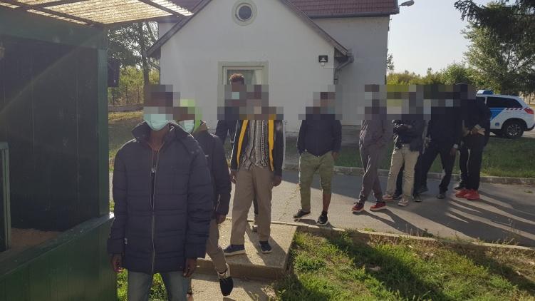 Határsértőket fogtak el a rendőrök Sarkad külterületén