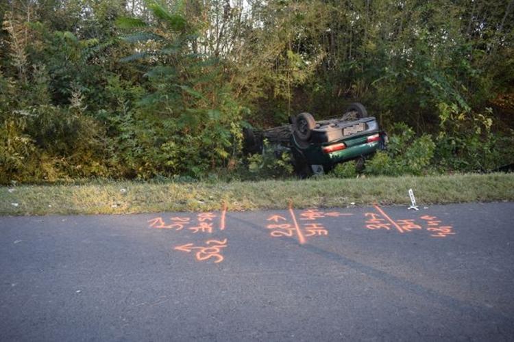 Halálos balesetnél helyszíneltek, lopás és zaklatás miatt intézkedtek
