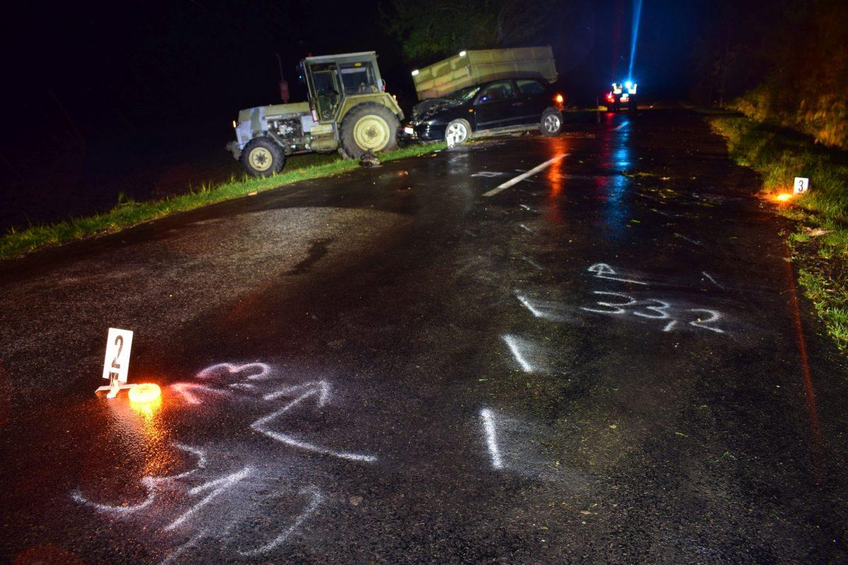 Egy személygépkocsi és egy traktor ütközött össze Nagybánhegyes külterületén