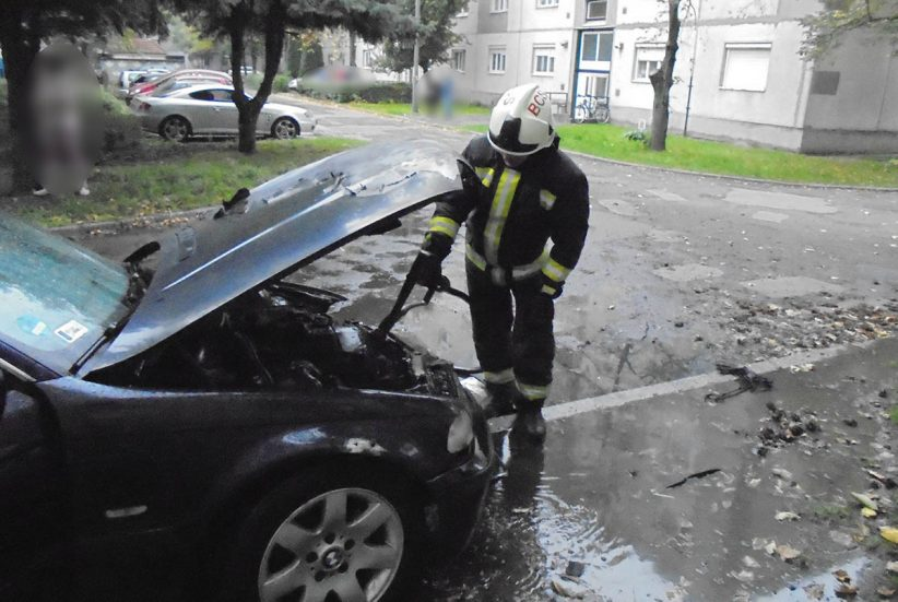 kigyulladt autó Békéscsaba