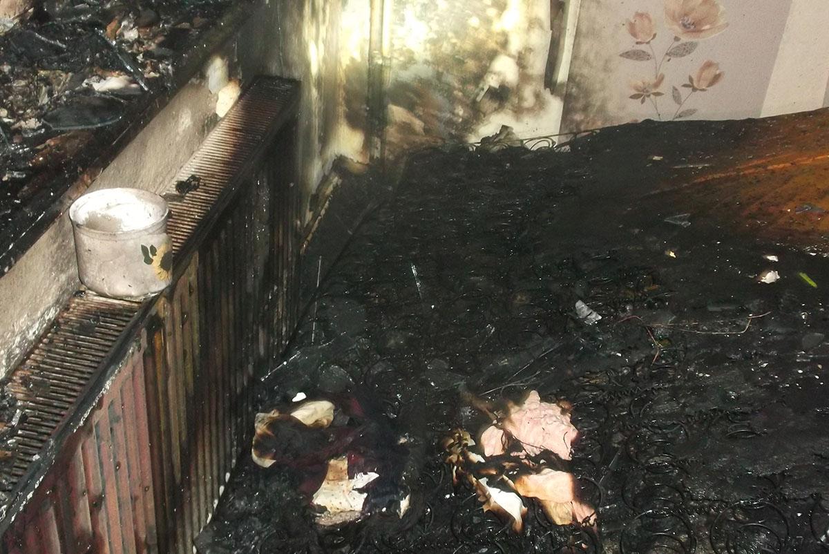Hálószoba gyulladt ki Gyulán egy Honvéd utcai lakótelep társasházában