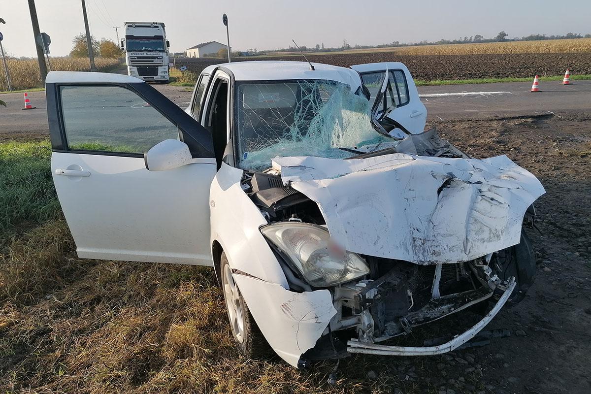 Kamion és személyautó ütközött a 46-os főúton Mezőberénynél