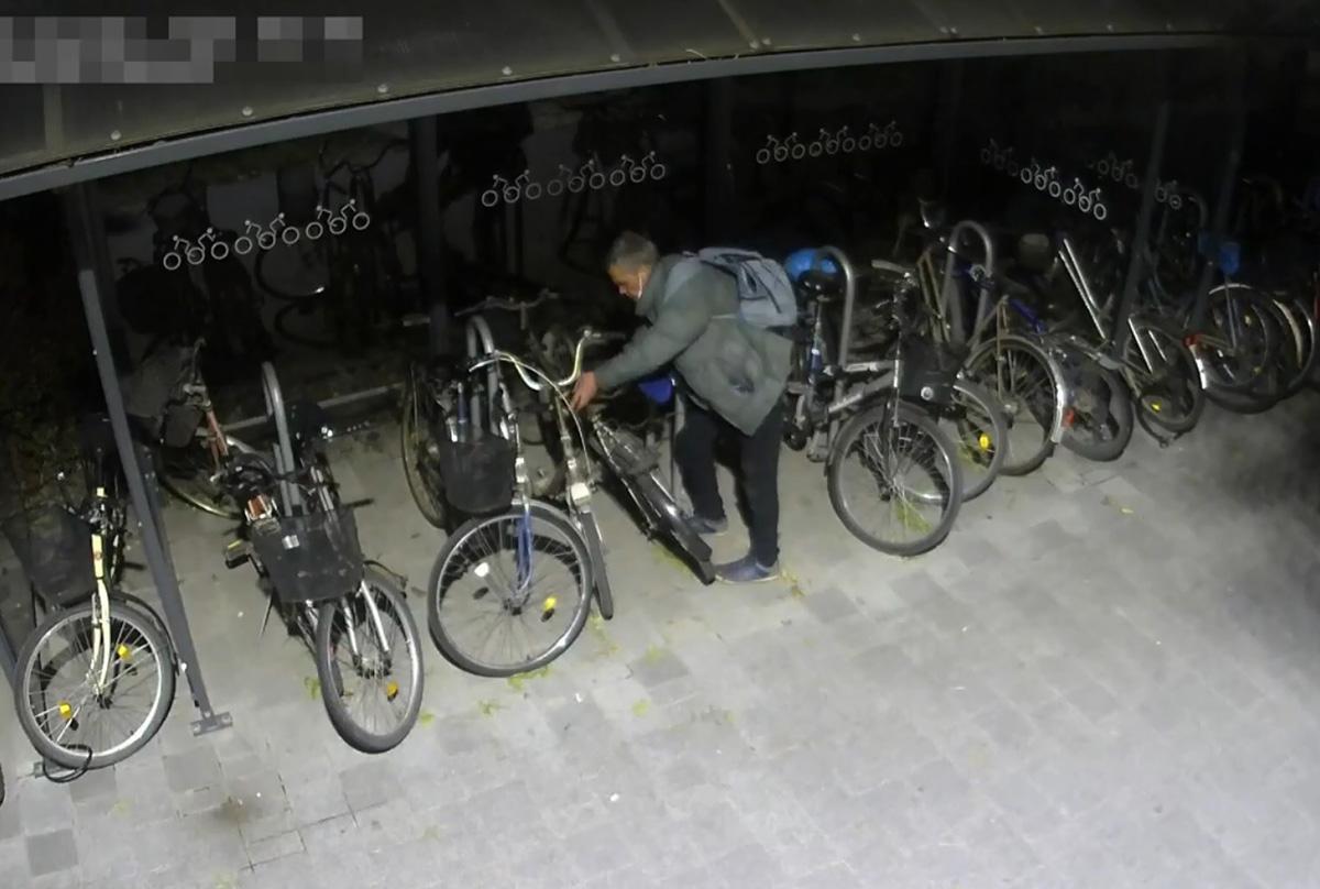 Újabb Békéscsabán történt kerékpárlopás gyanúsítottját keresi a rendőrség