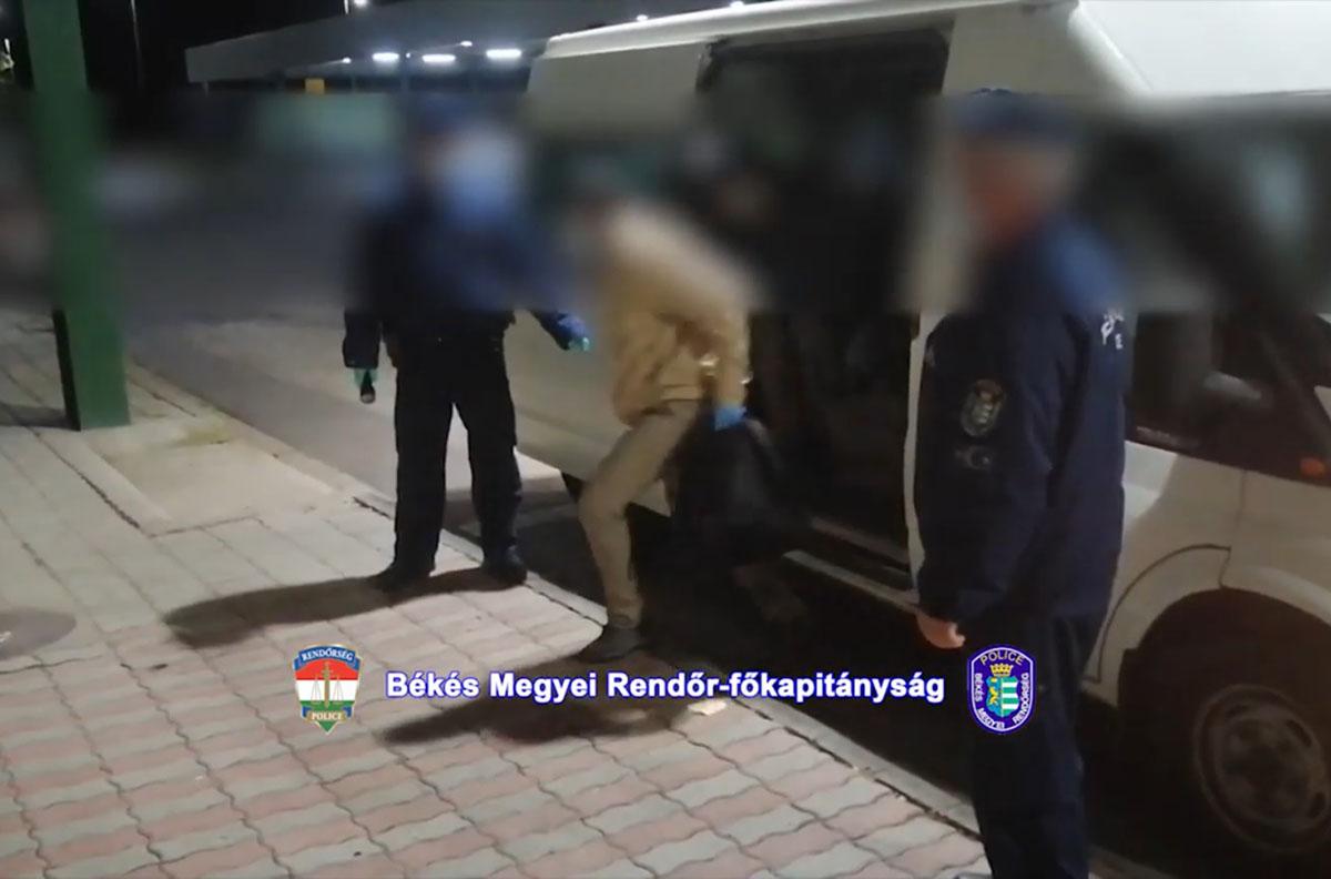 Határsértőket fogtak el a rendőrök Békés megyében