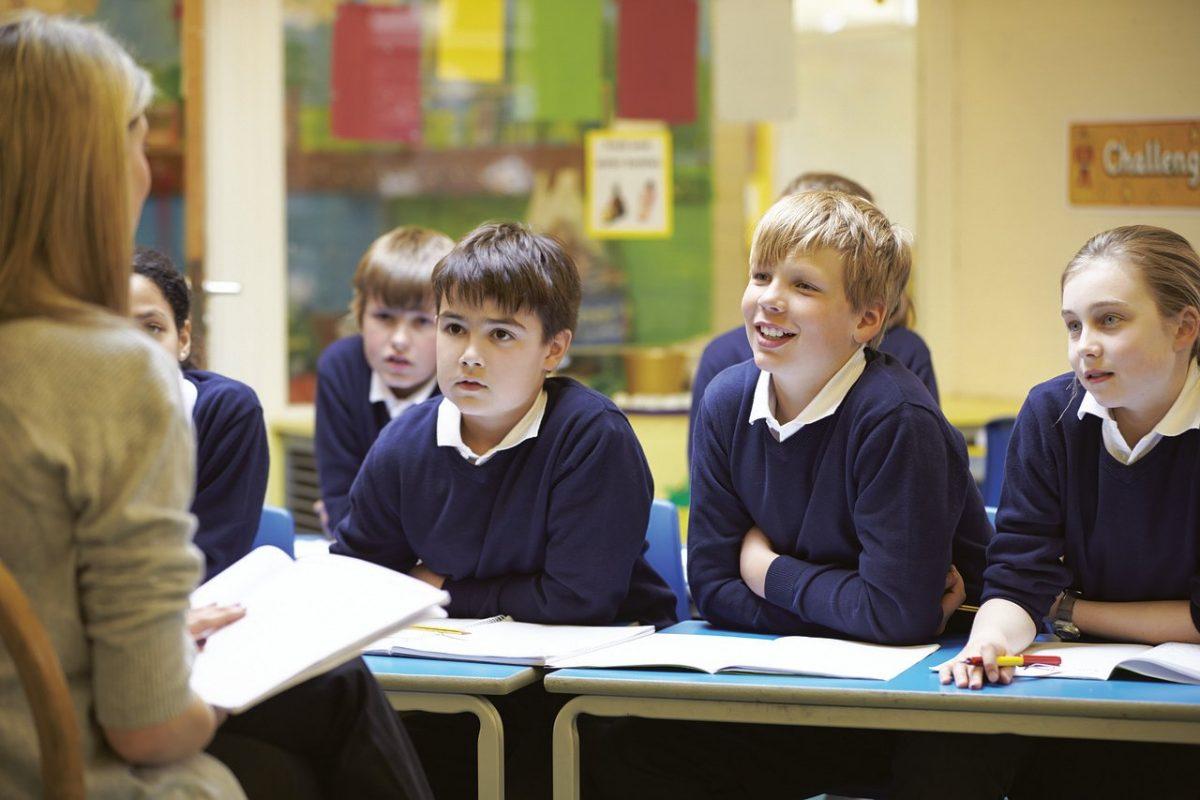 Pedagógusok világnapja – Emmi: kiemelkedő teljesítmény, hivatás és felelősségtudat