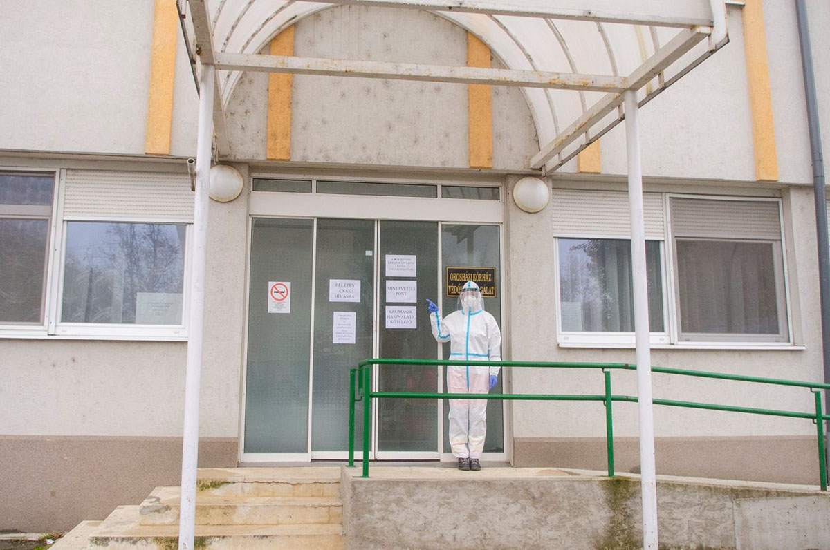 PCR teszt pont nyílt az Orosházi Kórház szakrendelőjében