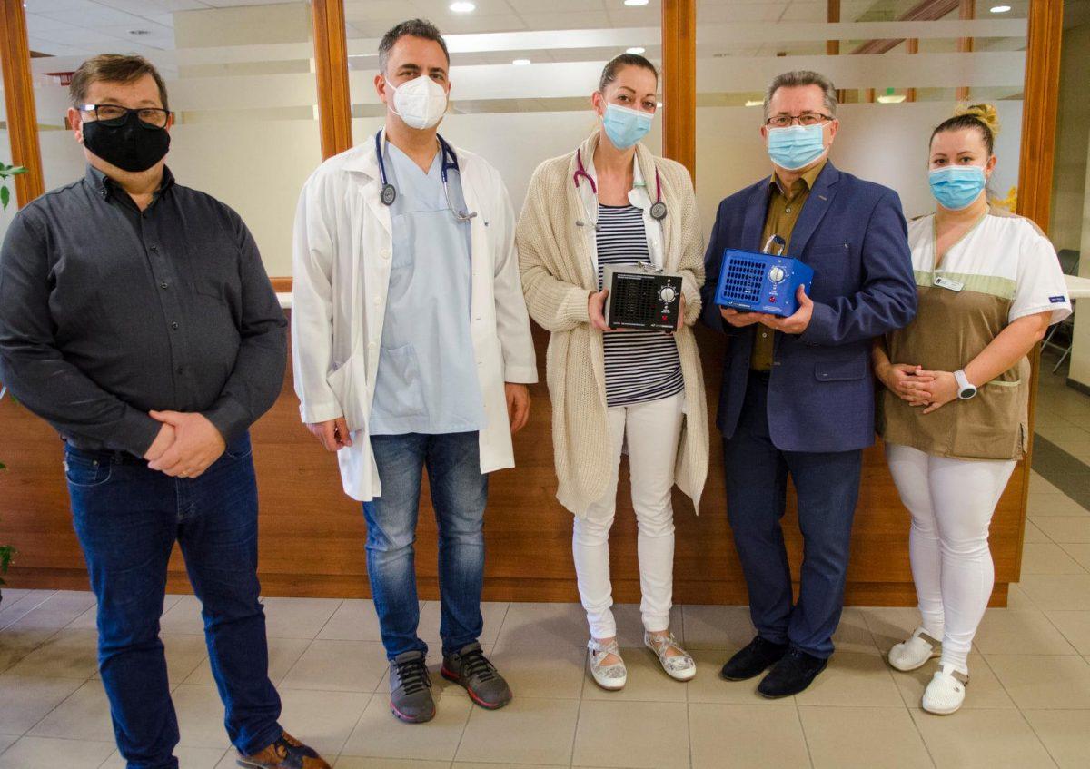 Ózongenerátorokat adományoztak a belgyógyászatnak