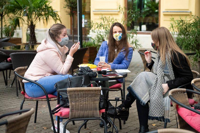 Franciaországban, korlátozások, éttermek, Ausztriában, 4 millió, angliában, koronavírus, kávézó, maszk