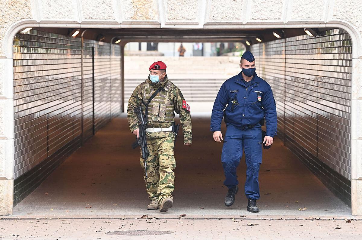 Operatív törzs: a katonák az ország működőképességének, az emberek biztonságának megőrzését szolgálják
