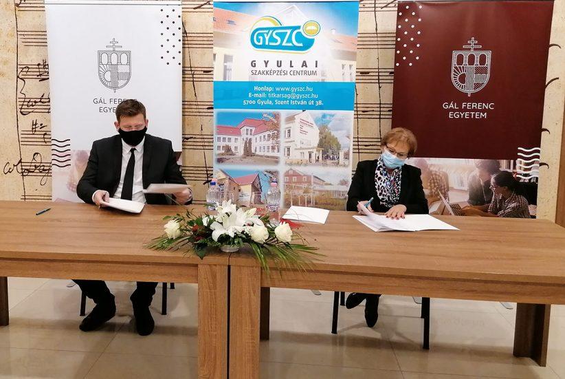 aláírás Gyszc, Gál Ferenc