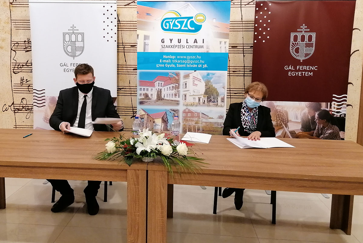 Együttműködési megállapodást írt alá a Gál Ferenc Egyetem és a Gyulai Szakképzési Centrum