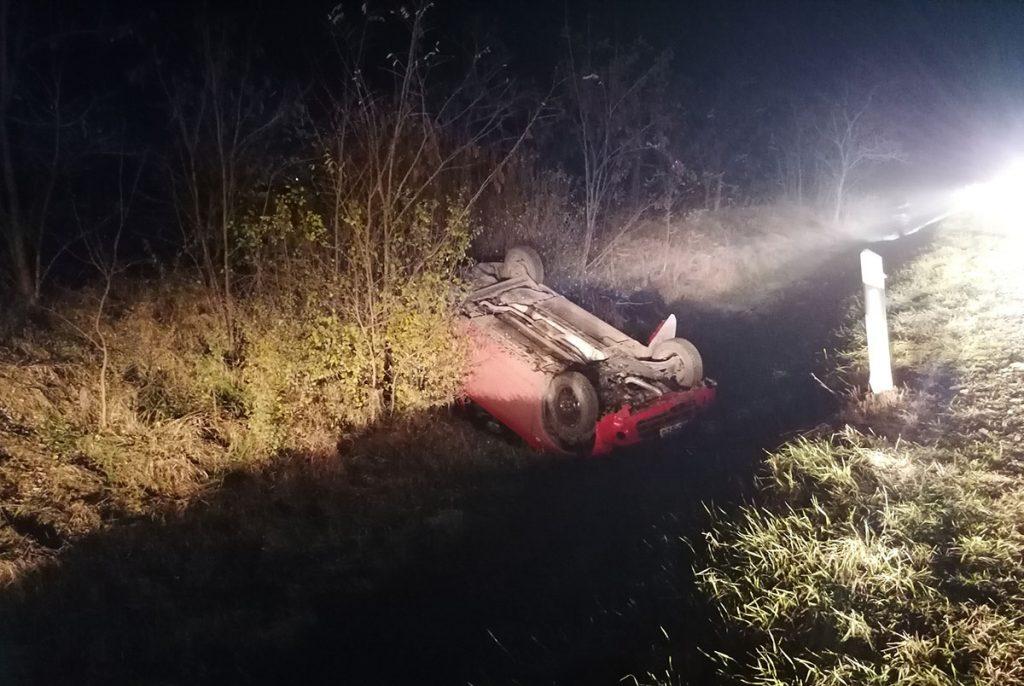 baleset Békéscsaba közelében, árokba borult
