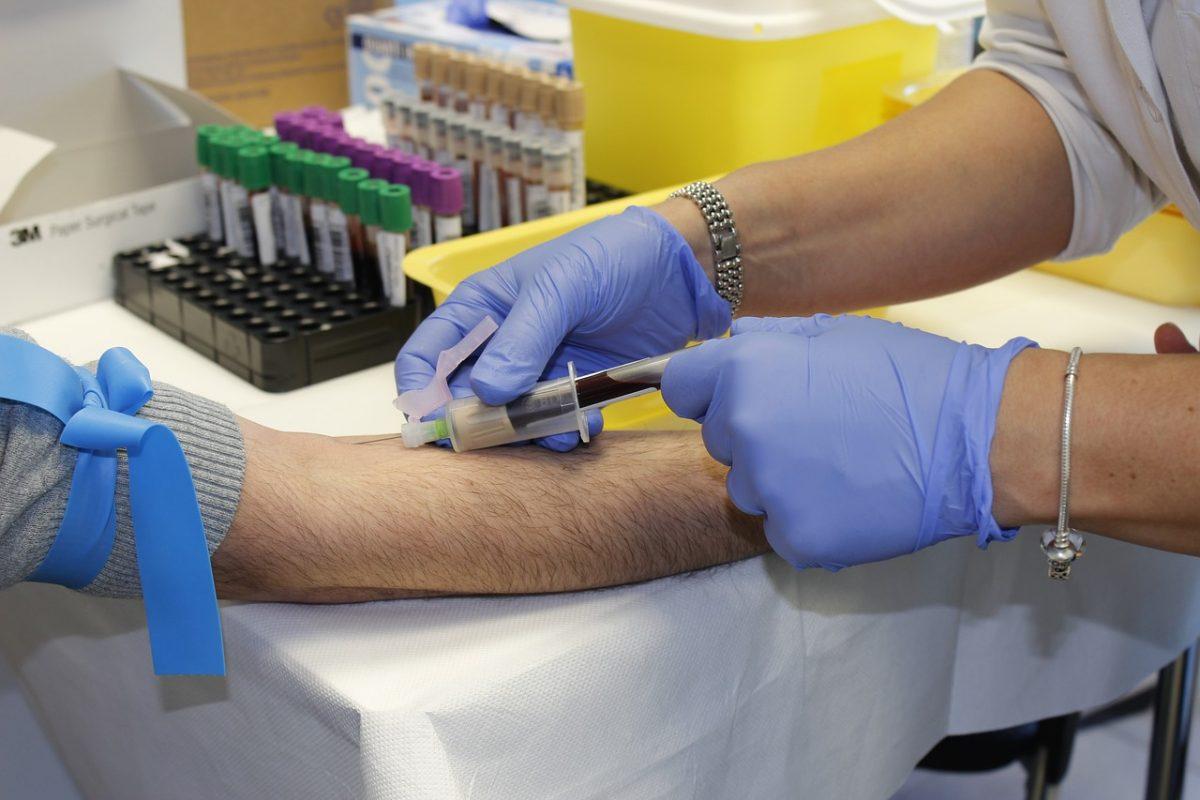 Emmi: november 1-jétől újabb 20 százalékkal emelkedik az egészségügyi szakdolgozók bére