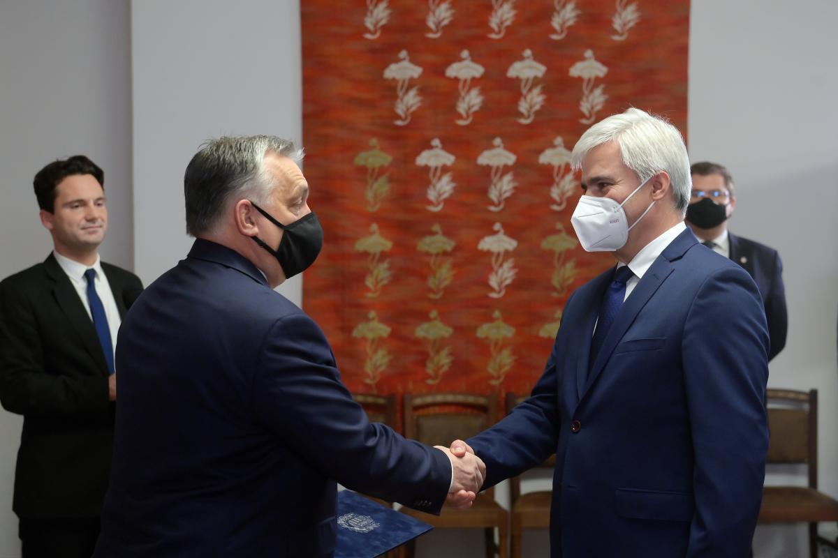 Orbán: A járványügyi készültség 2021-ben valószínűleg végig fennmarad