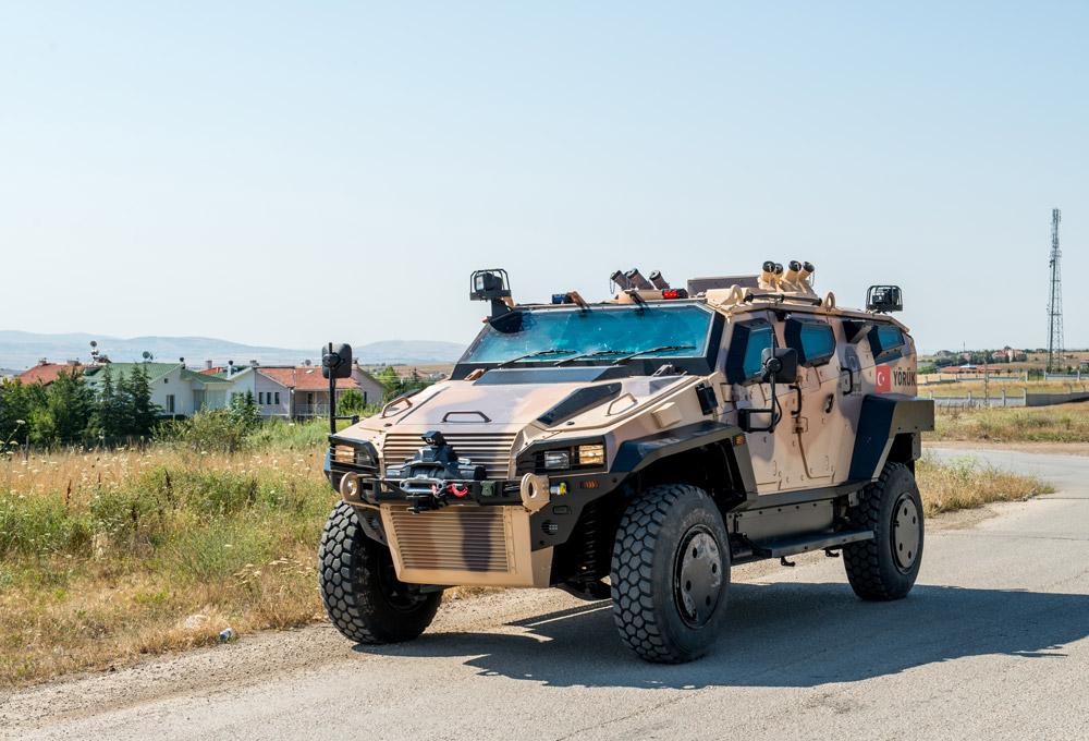 Újabb 40 páncélozott jármű szállításáról írt alá szerződést a honvédség