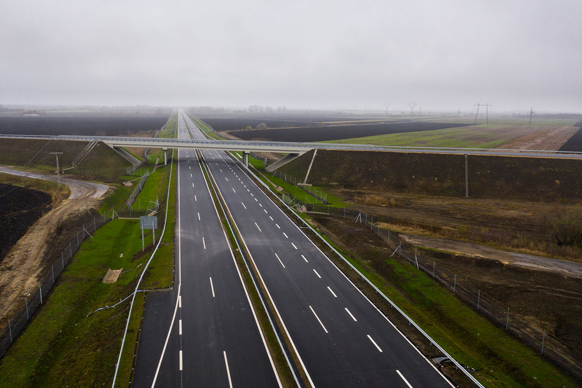 Mától használhatják az autósok az M44 Kondoros és Békéscsaba közötti szakaszát