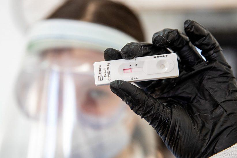 Víruskutató, Angliába, negatív, óvodai, covid teszt, koronavírus, szlovénia