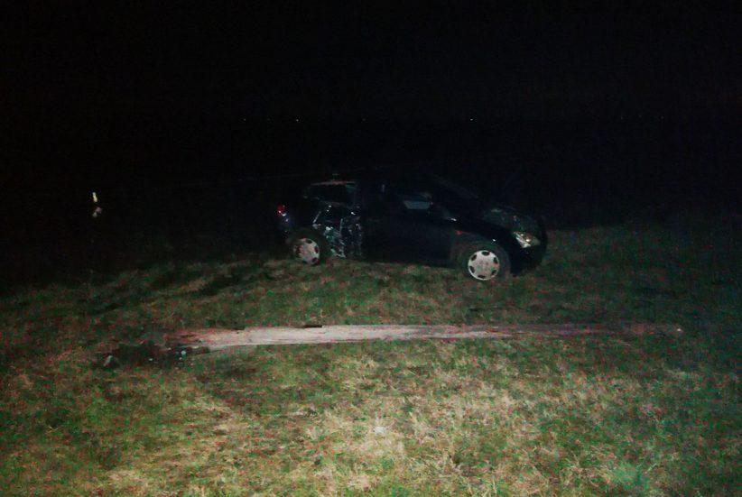 baleset Békéscsabán, oszlopnak ütközött