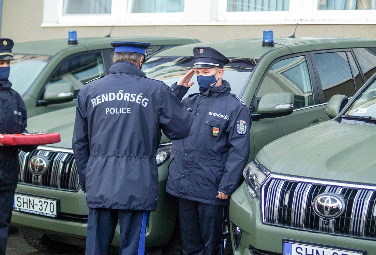Kilenc új rendőrségi szolgálati gépjármű érkezett a Békés Megyei Rendőr-főkapitányságra