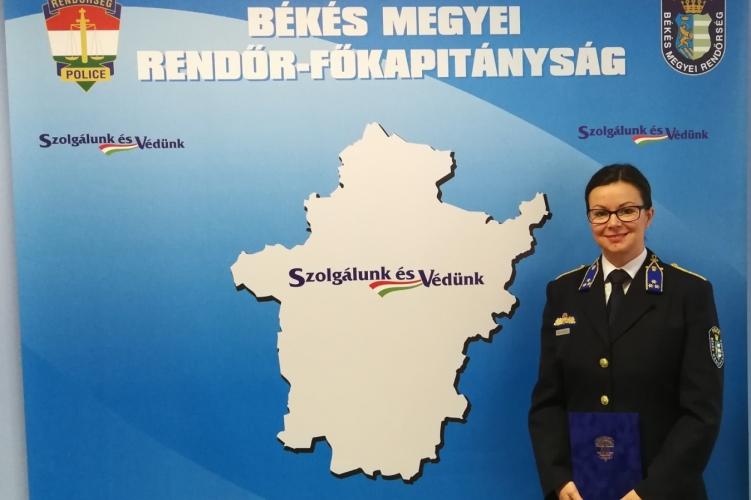 Elismerésben részesült a Békéscsabai Rendőrkapitányság bűnmegelőzési előadója