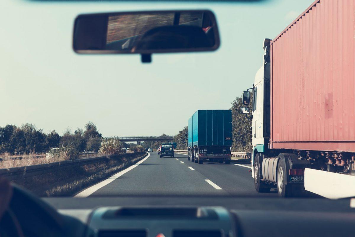 Éjszakára felfüggesztik a kamionstopot az augusztus 20-i hosszú hétvégén