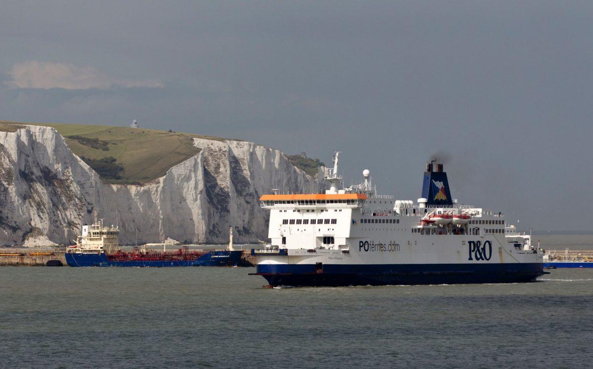 Leállt a forgalom Dover kikötőjében