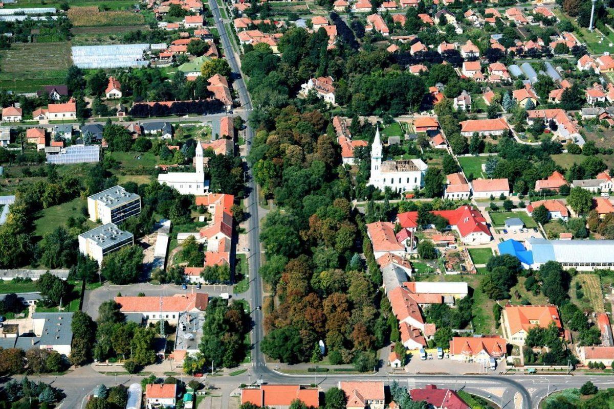 Megújult a városközpont több része Medgyesegyházán