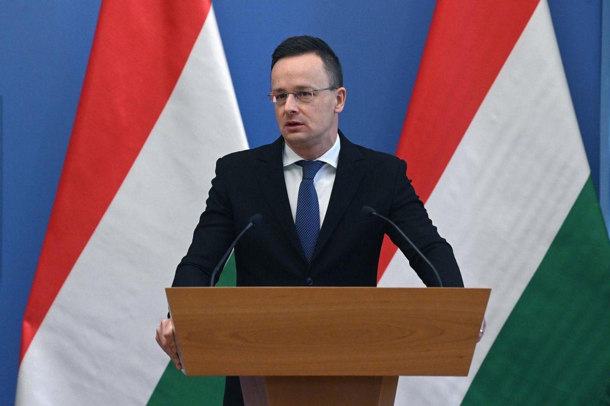 Szijjártó: Magyarország nagy mennyiségben vásárol orosz oltóanyagot