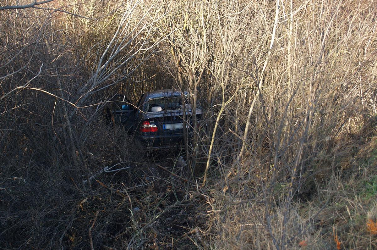 Árokba hajtott egy gépkocsi a Vésztő és Doboz közötti úton