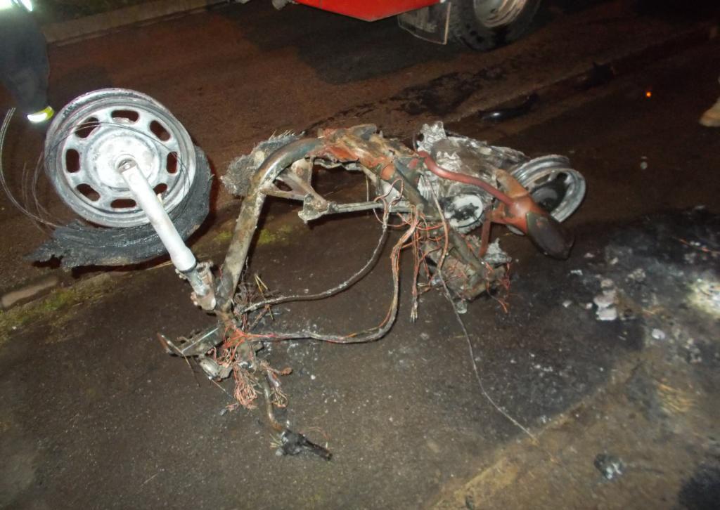 Motorkerékpár gyulladt ki tegnap késő este Orosházán