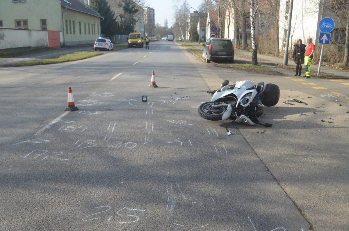Két balesetnél helyszínelt a rendőrség