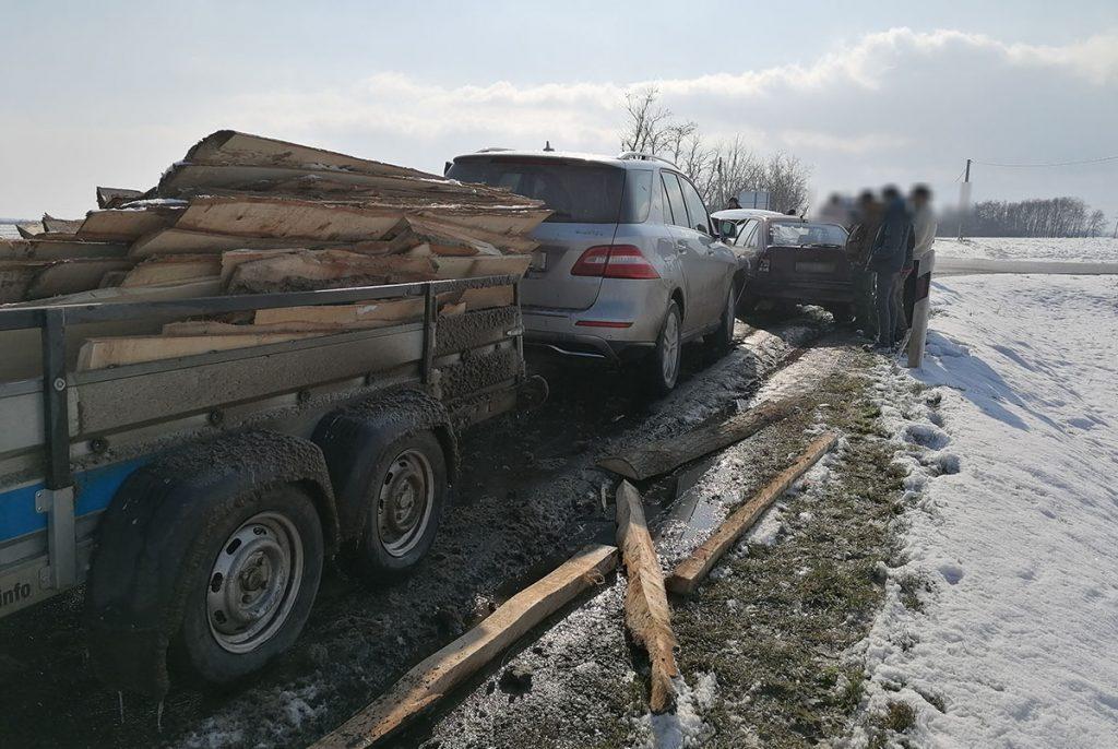 négy autó ütközött Újkígyós közelében