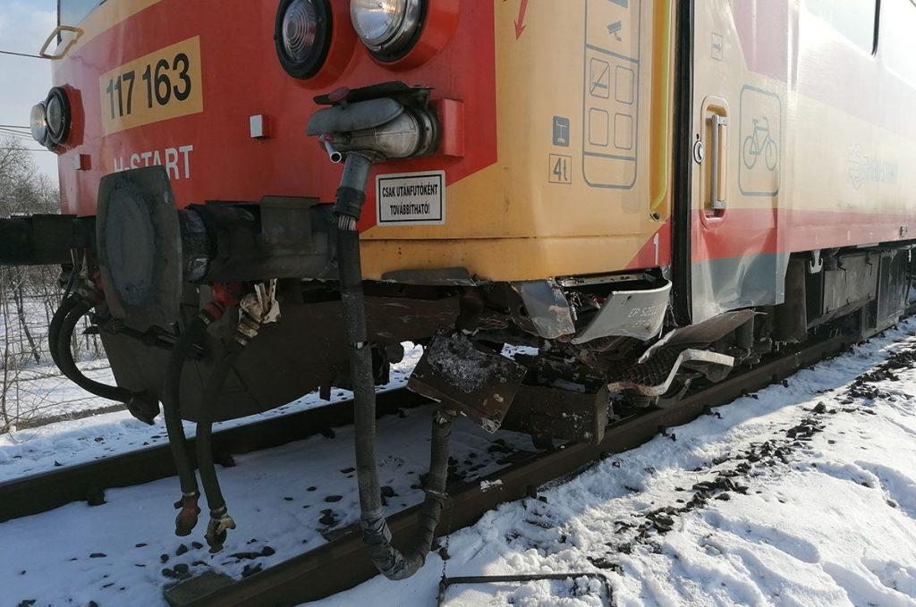 vonattal ütközött Gyulán