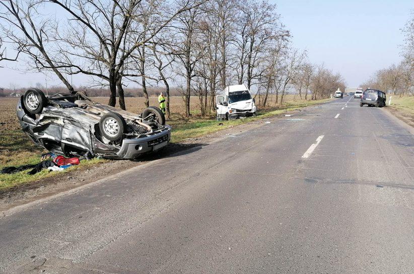 Három személygépkocsi ütközött Békéscsaba és Csabaszabadi között