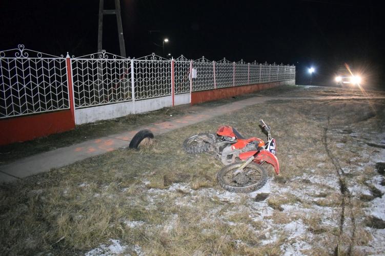 Gyulán elütöttek egy kerékpárost, Békéssámsonban kerítésnek ütközött egy motoros