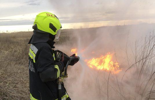 Közúti balesethez, tüzekhez és szén-monoxidos esetekhez vonultak a tűzoltók a hosszú hétvégén