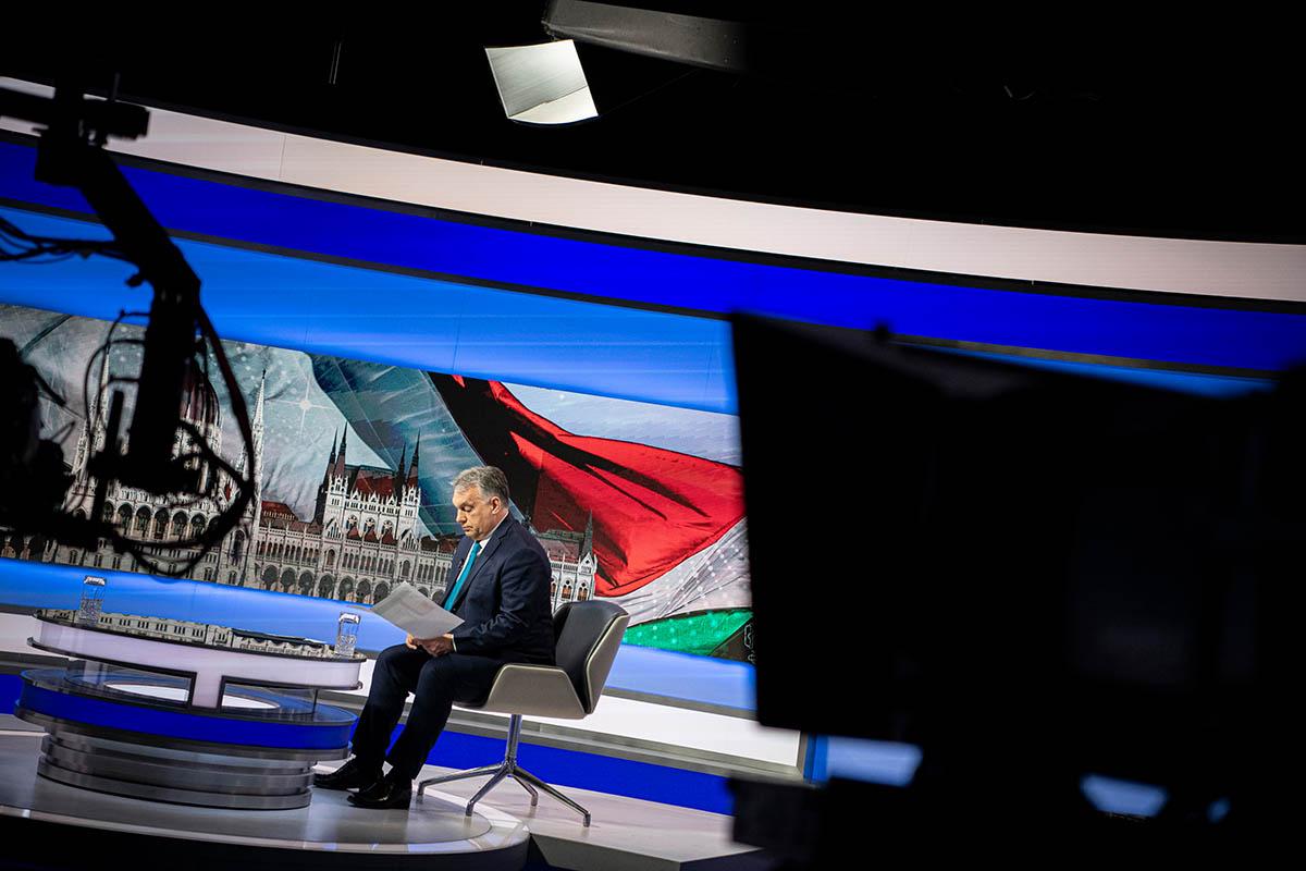 Orbán: Nyár végére lehetünk túl a járványon – FRISSÍTVE