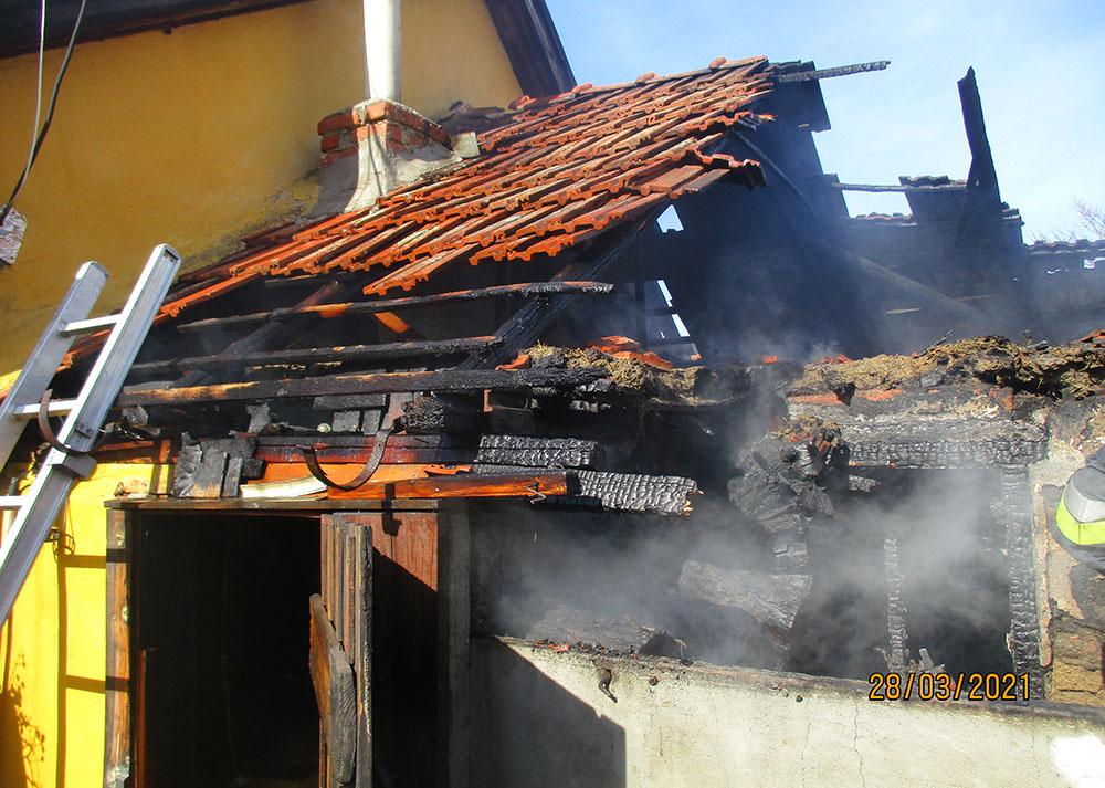 Fatároló égett teljes terjedelmében Kétegyházán