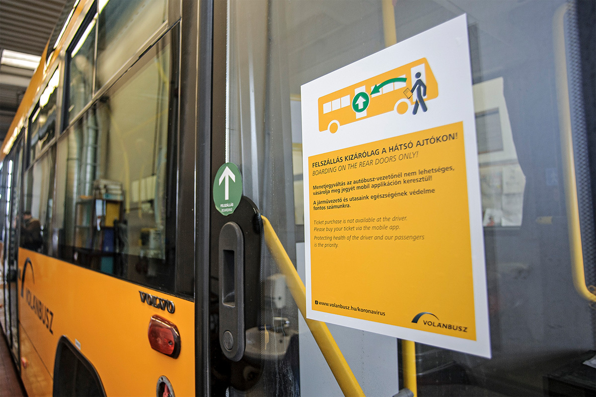 Hétfőtől a Volánbusz felfüggeszti az első ajtós felszállást